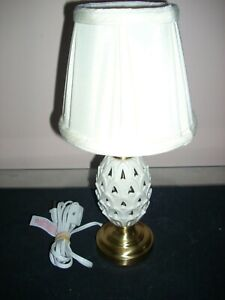 LENOX ACCENT LAMP With Shade  BY QUOIZEL