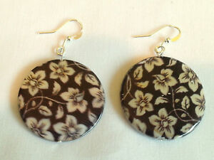 Brown floral shell earrings