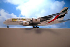 Sky Marks 1:200 Airbus a380 Emirates a6-eea skr-698 + Herpa Wings catalogue