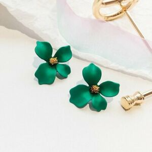 Wholesale Chic Colorful Daisy Flower Earrings Ear Stud Women Charm Jewelry Gifts