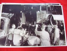 1932  FORD ASSEMBLY LINE  BODY DROP 11 X 17  PHOTO /  PICTURE
