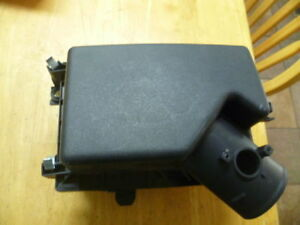 2013 2016 Lexus TOYOTA  ES300h Air Cleaner Intake-Filter Box Housing