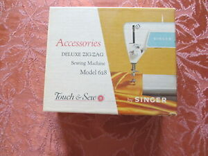Singer Deluxe Zig-Zag Sewing Machine Model 628 Accessory Kit Part No 161867