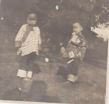 VINTAGE PHOTOGRAPH HAWAIIAN ASIAN CHILDREN ONE SUCKING THUMB,ETHNIC CLOTHING