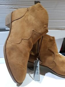 Ladies. Primark Tan Wide Fit Chelsea boots. Size 7/ 40. Stitching details. BNWT