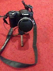 Canon PowerShot SX500 IS 16 MP Digital Camera - Black w/ Tripod