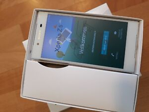 Sony Xperia Z5 32GB > Farben Weiss + Gold + Schwarz + Grün / mit Folie / in Box