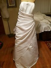 David's Bridal size 20W strapless floor length wedding dress white style 9T8076