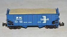 N scale ATLAS 2243 BOSTON & MAINE BM 71717 Blue Open Hopper with Sand Load