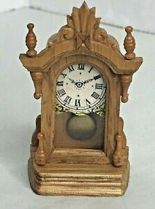 vintage dollhouse miniature fantastic merchandise mantle clock