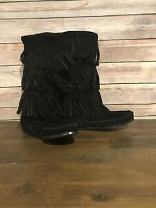 Minnetonka Moccasins 1639 Womens 3 Layer Fringe Boot Black Suede Size 5