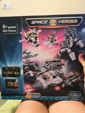 Space Heroes 605 pieces brand new - perfect gift
