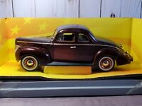 Ertl American Muscle 1940 Ford Deluxe Coupe Millennium 1:18 Scale Diecast 40 Car
