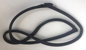Genuine Used MINI N/S Passenger Side Rubber Door Seal - R56 (2006-2014) 7039863