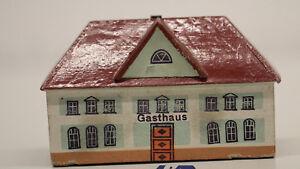 altes Haus Gasthaus  aus Holz  für Eisenbahn H0  Erzgebirge