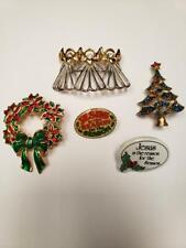 Lot of Christmas pins and pendants