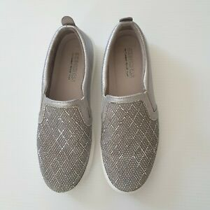 Sketchers Silver Bling Ladies Slip On Comfort Shoes Size  7.5 US