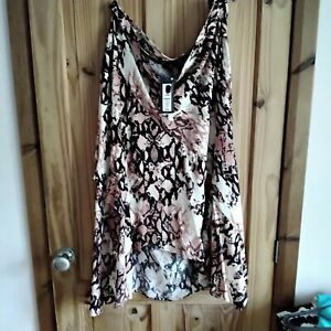 Marks and spencer size 22 bnwt RRP £35