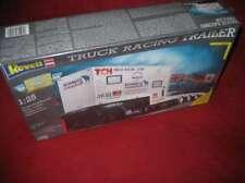 REVELL® 7532 1:25 TRUCK RACING TRAILER NEU OVP