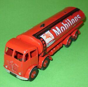 Dinky / 941 Foden 8 Wheel Tanker 'Mobilgas'