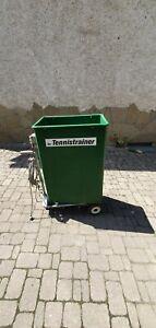 Tennis Ballmaschine! Ballwurfmaschine grün