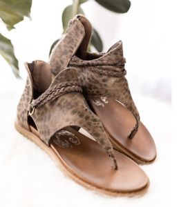 """Very G Sandals """"Sariah"""" Leopard print shoes, NWT, Size 8, Retail $49.99"""