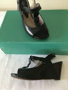 CLARKS Black Leather T Bar Wedge  Shoes  Sandals Heels Size 3   NEW