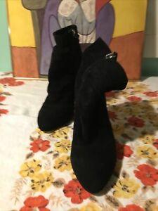 """White House Black Market Lou Black   Suede Ankle Boots Sz:9.5M Zipper 3 1/2""""heel"""