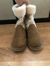 Authentic Ugg Boots Girls Size 3 Tan