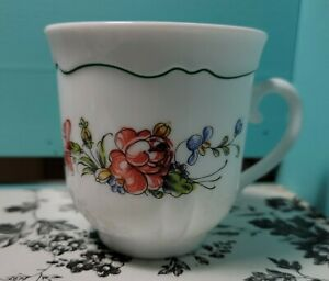 Arcopal France Red Rose TEA COFFEE Cup White Milk Glass Red Flower