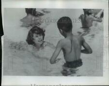 1970 Press Photo Eunice Kennedy Shriver Plays with a Retarded Child at Camp