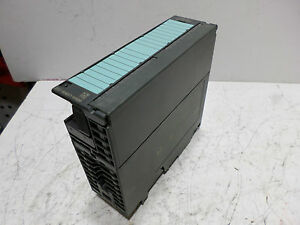 SIEMENS S7-300 SIMATIC ANALOG -- 6ES7-332-5HB01-0AB0 -- 2 CHANNEL OUTPUT