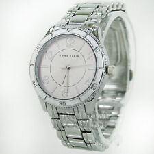New GUESS Women's Watch Logo White Embossed Leather Crystals Montre NwT Reloj