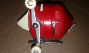Vintage ZEBCO 205 or 202 Red Spin Cast Reel = Looks and Works Good
