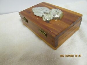 "Vintage GOLD PRAYING HANDS on CEDAR BIBLE BOX -5.5"" X 3"" -Used"
