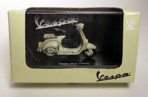 New Ray VESPA 125 U (1953) Scooter 1:32 PIAGGIO Diecast Model with Original Box