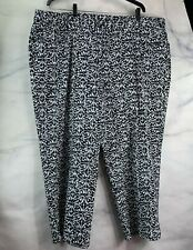 NWT Women's Plus Hearts of Palm Graphic Pop Capri Size 22W Black & White