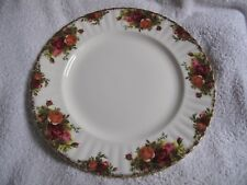 "Royal Albert "" OLD COUNTRY ROSES "" Dinner plate made in England *"