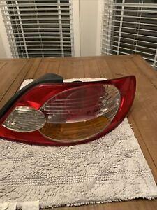 2002 2003 Toyota Camry Solara Tail Light Passenger Side OEM Brake Light