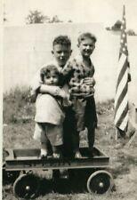 4TH JULY, BOYS W/ AMERICAN FLAG, SPEEDY WAGON, PATRIOTIC CHILDREN, PHOTO
