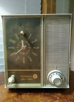 Westinghouse Space Maker Tube AM/Clock Radio 4 Parts Or Restoration Radio Works