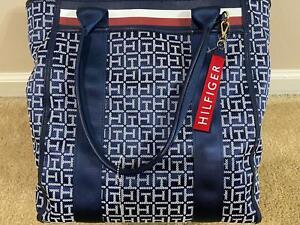 NWT Tommy Hilfiger Signature TH Logo Extra Large Tote Shoulder Bag $118
