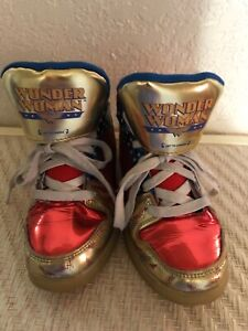 Wonder Woman Shoes Girls Size 1M Light Up Red Gold Blue