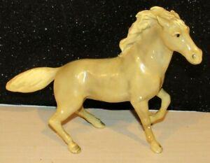 """Vintage Mortens Studio  Cream Stallion Horse 7"""" Tall NICE PIECE w/STICKER"""