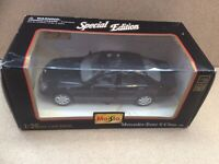 Maisto 1998 Mercedes-benz S Class Car -  Scale 1:26