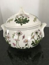 Portmeirion BOTANIC GARDEN Daisy 2.5 Qt Romantic Covered Casserole