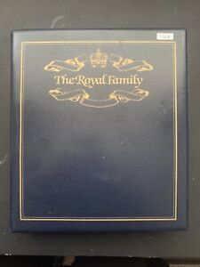 Blue Padded Royal Family Album With 23x Golden Wedding Coin Covers 1997 (1368)