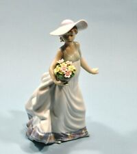 "Retired LLADRO Girl w/Flower Basket Figurine ""Carefree"" #5790 Mint Condition"