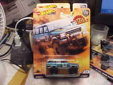 Hot Wheels Desert Rally '88 Jeep Grand Wagoneer with Real Riders