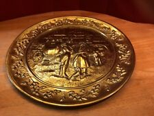 """Vtg 15 3/8"""" Hammered Brass Horse Coach Carriage Metal Plate Wall Decor England"""